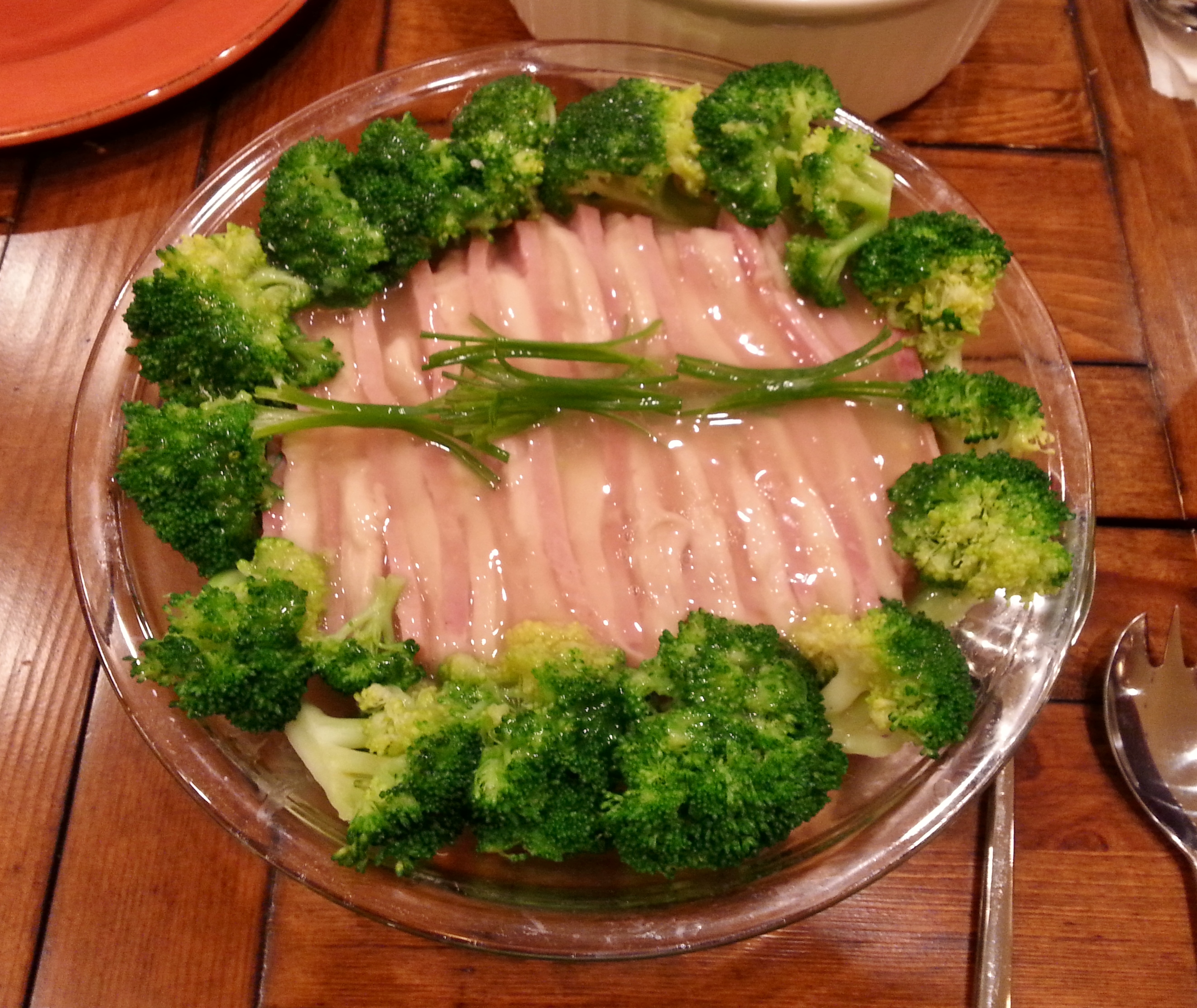 Chicken and ham with broccoli